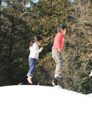 飛ぶ恒太と瑞雪