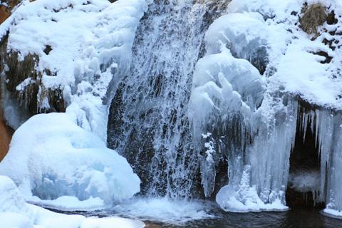 氷瀑の霧降の滝