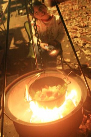ダッチオーブンと瑞雪
