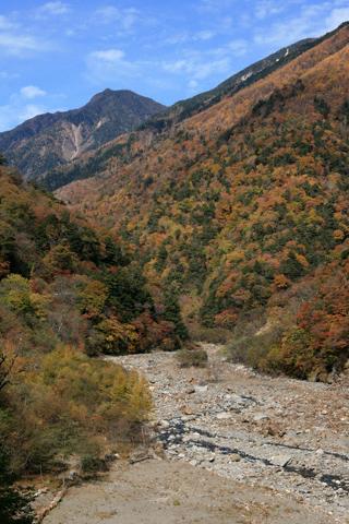 紅葉の白鳳渓谷