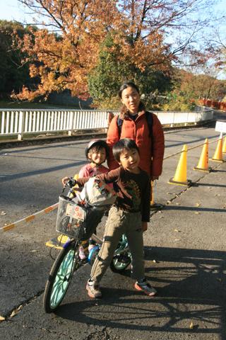 自転車と家族